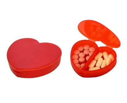 קופסה לתרופות בצורת לב