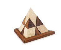 משחק מנהלים פרמידה