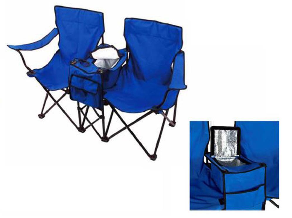זוג כיסאות בשילוב צידנית