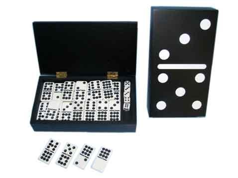 משחק דומינו מהודר בקופסא